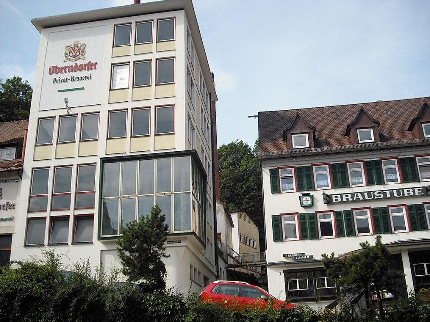 La fábrica de cerveza Oberndorf, cerrada, muerta.