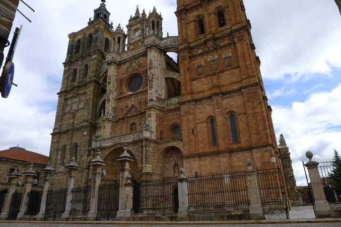 Catedral de Astorga, un eclecticismo gótico-renacentista